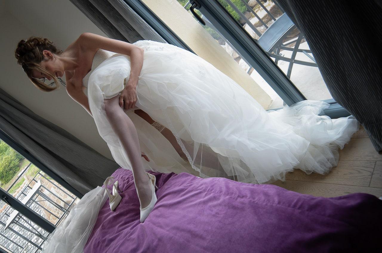 Mariée se préparant dans sa chambre