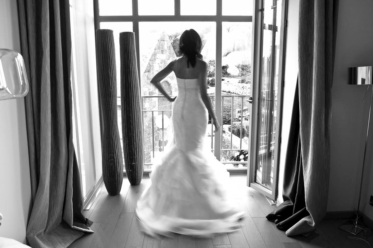 La sublime mariée dans sa magnifique robe blanche