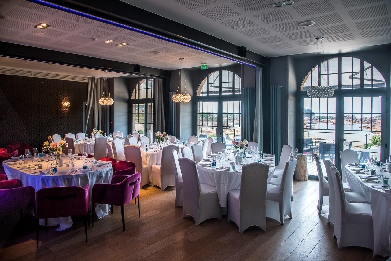 La salle de réception de l'hôtel Castel Beau Site pour le mariage