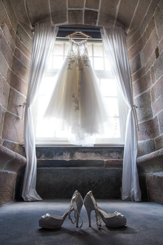La robe et les escarpins de la mariée