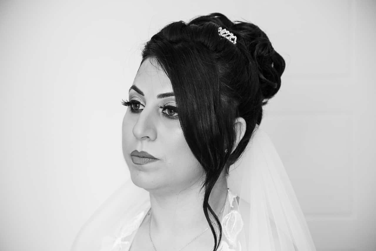 Portrait de mariée en noir et blanc