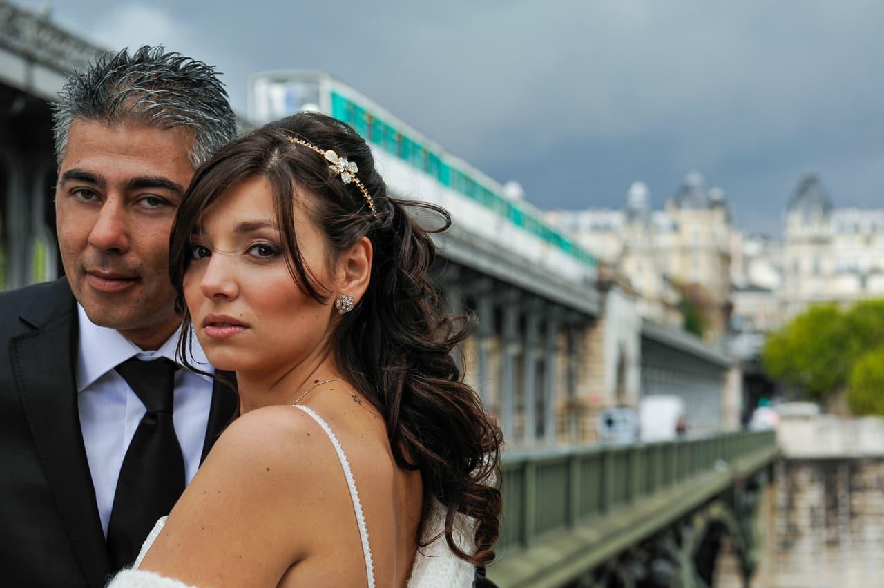 Les mariés en bord de la Seine