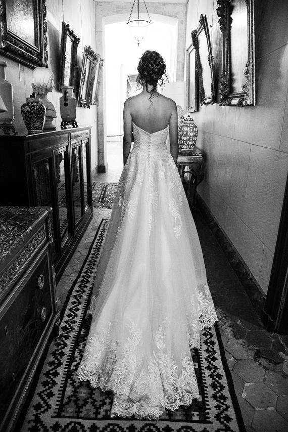Mariée et sa robe élégante