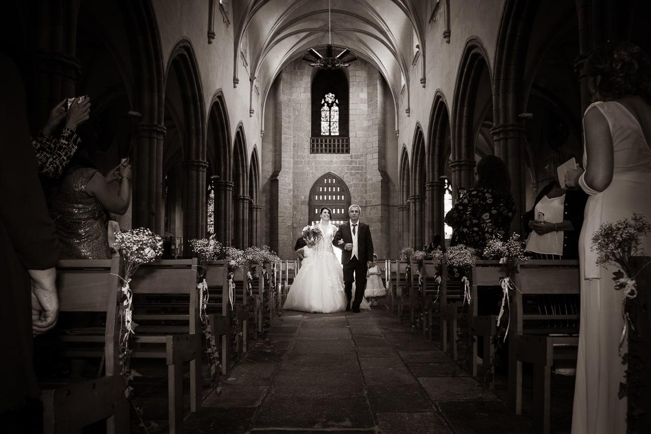 Arivée de la mariée au bras de son père