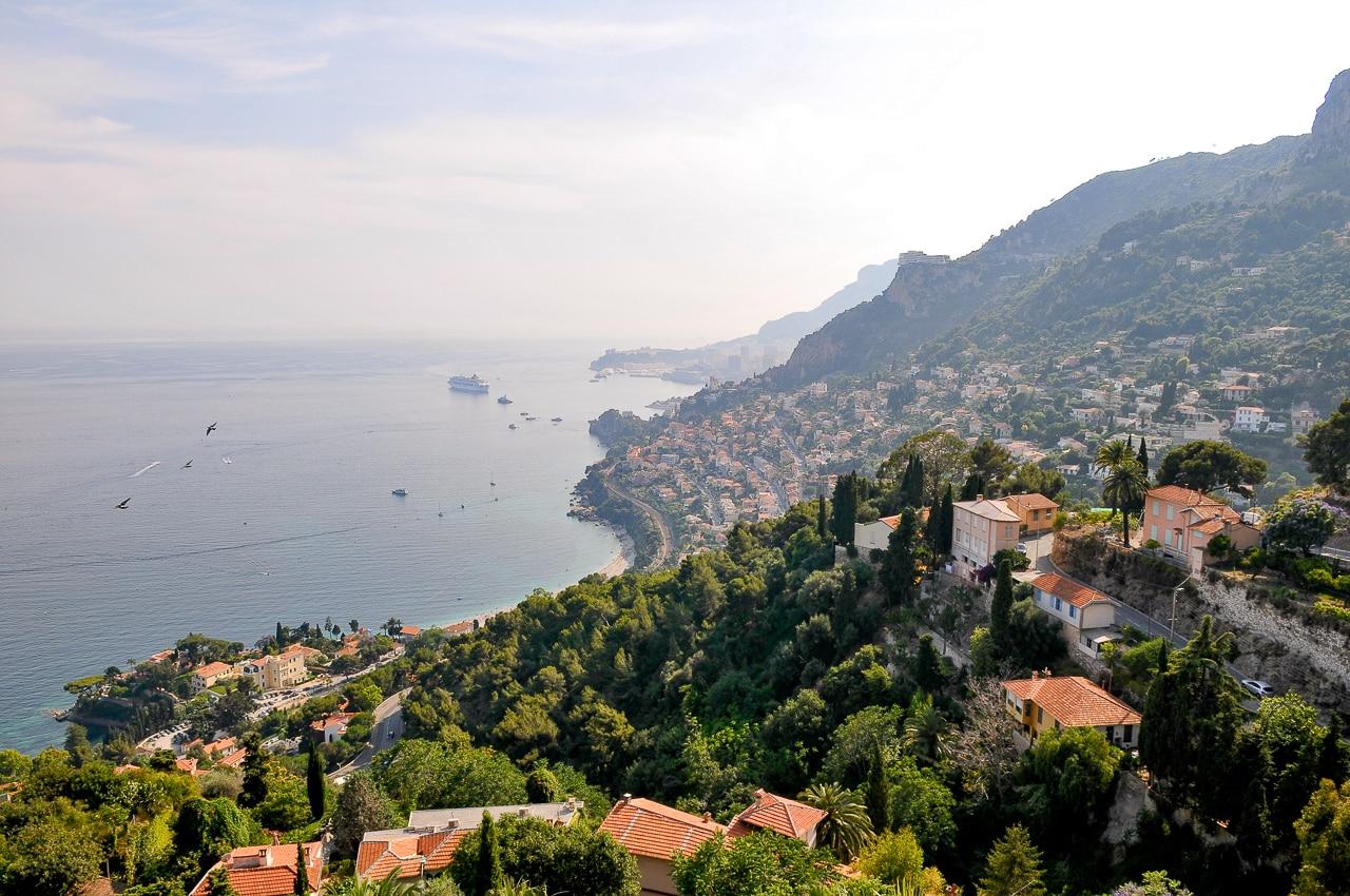 Vue sur la ville de Monaco et la mer